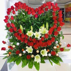 ורדים בצורת לב