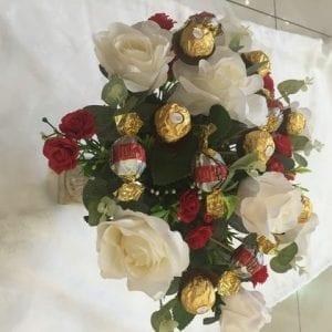 שילוב פרחים ומתוקים